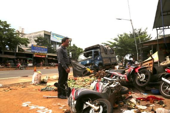 Khởi tố vụ xe tải lao vào chợ khiến 5 người chết