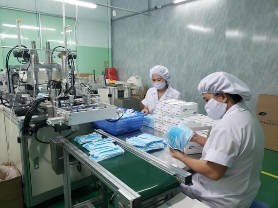 Tổng Công ty CP Y tế Danameco là đơn vị duy nhất của TP Đà Nẵng sản xuất các mặt hàng thiết bị y tế, trong đó có khẩu trang y tế phục vụ tại các cơ sở y tế trong nước và xuất khẩu