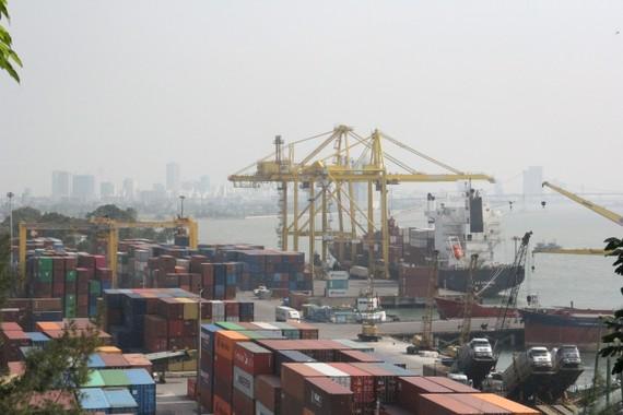 Xây dựng cụm cảng Đà Nẵng thành cụm cảng lớn, hiện đại. Ảnh: XUÂN QUỲNH