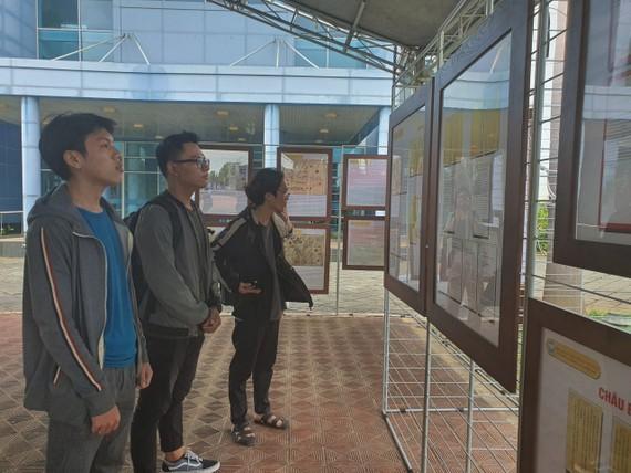 Triển lãm giúp sinh viên có thể nắm bắt, khắc sâu những thông tin, bằng chứng về chủ quyền biển đảo