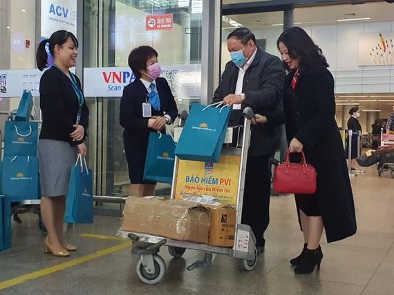 Đoàn khách du lịch đầu tiên đến Đà Nẵng năm 2021