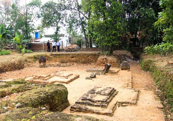 Di tích khảo cổ Chăm Phong Lệ