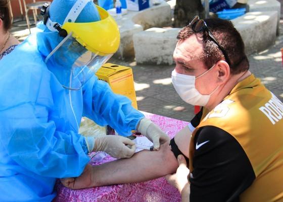 2 chuyên gia Trung Quốc dương tính SARS-CoV-2 đến Đà Nẵng đã đi đâu?