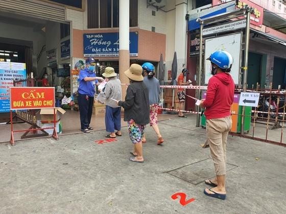 Người dân sẽ đi chợ theo ngày được phân chia nhằm tránh tập trung đông người