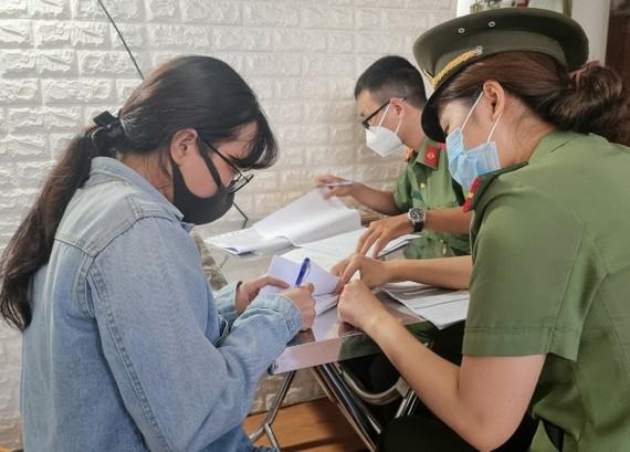 Công an TP Đà Nẵng khám xét nơi ở và bắt giữ Tô My Hồng Anh