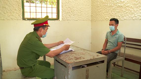 Công an huyện Hòa Vang làm việc với đối tượng Nguyễn Quốc Tuấn
