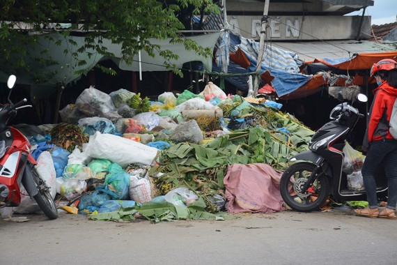 Rác ứ đọng tại nhiều điểm ở Quảng Nam, gây bức xúc cho người dân