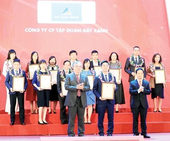 Tập đoàn Đất Xanh xuất sắc đứng trong tốp đầu doanh nghiệp BĐS  có lợi nhuận tốt nhất 2019
