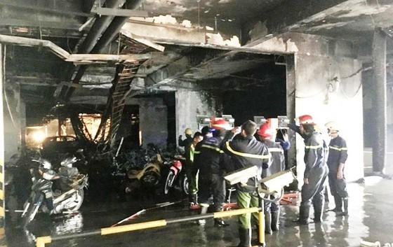 Hiện trường vụ cháy tầng hầm chung cư Carina Plaza  (quận 8, TPHCM)