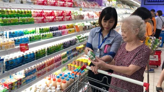 Các nhà bán lẻ hiện đại đều tăng lượng hàng phục vụ Tết Nguyên đán sắp tới