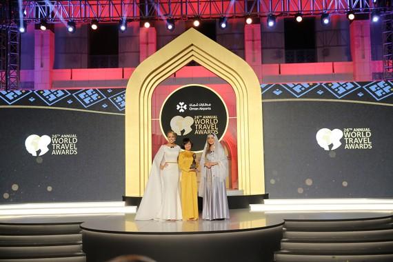 Đại diện Sun Group nhận giải thưởng World Travel Award 2019
