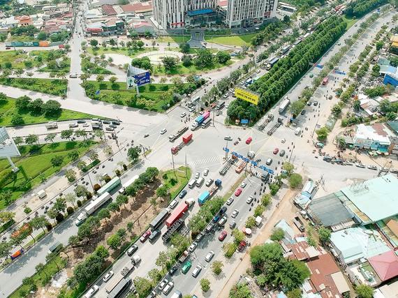 Nút giao thông An Phú, một điểm đen giao thông khu vực cảng Cát Lái. Ảnh: CAO THĂNG