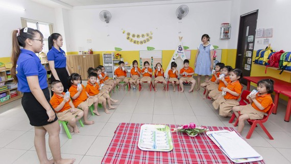 Chương trình sữa học đường đóng vai trò quan trọng trong việc cải thiện tầm vóc trẻ em