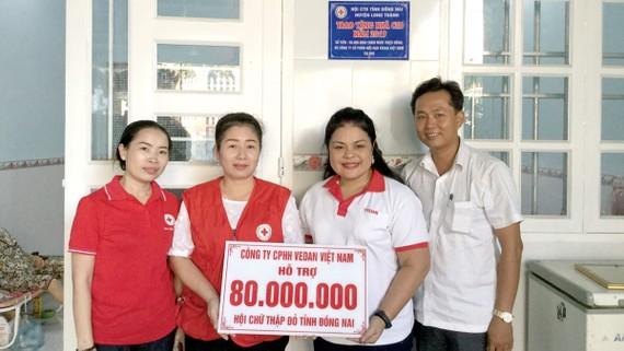 Thông qua Hội Chữ thập đỏ tỉnh Đồng Nai, Công ty Vedan Việt Nam đã hỗ trợ cho 13 gia đình bệnh nhân và tài trợ 1 ca mổ tim với tổng kinh phí 80 triệu đồng trong tháng 12-2019