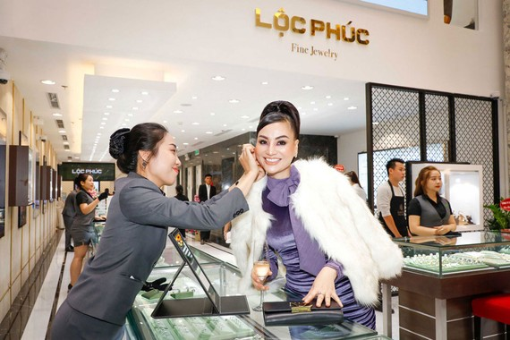 Tiêu thụ nữ trang của người Việt ngày càng nhiều hơn