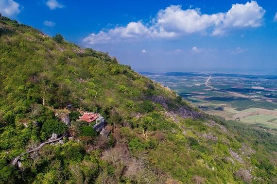 Khám phá Núi Bà Đen nổi tiếng bậc nhất Tây Ninh