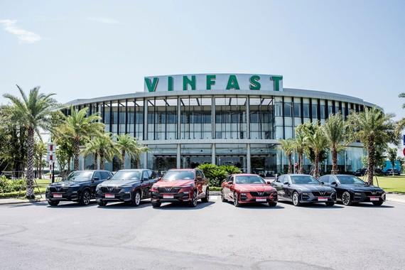 Sau chưa đầy 6 tháng có mặt trên thị trường, 3 dòng xe ô tô đầu tiên của VinFast đã nhận được hơn 17.000 đơn đặt cọc mua hàng