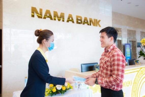 Nam A Bank trang bị khẩu trang y tế, dung dịch rửa tay sát khuẩn tại tất cả các điểm giao dịch trên toàn quốc