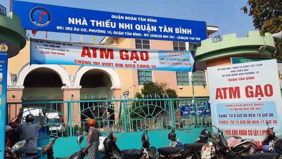 """Thêm một máy """"ATM gạo"""" được lắp đặt tại quận Tân Bình"""
