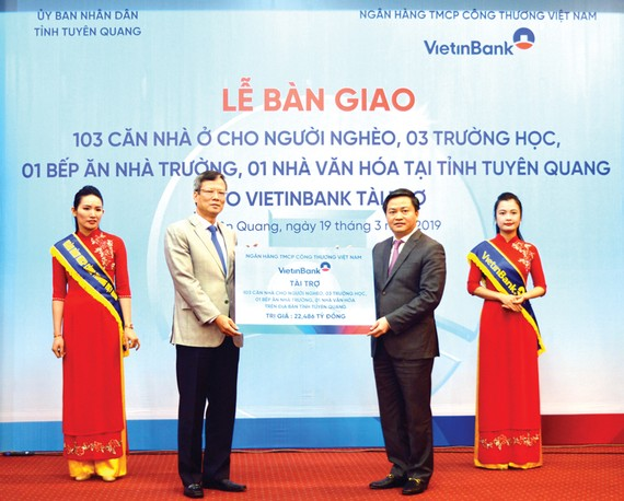 Không chỉ hoàn thành xuất sắc nhiệm vụ chính trị và công tác xây dựng Đảng, VietinBank còn tiên phong trong việc thực hiện có hiệu quả công tác an sinh xã hội