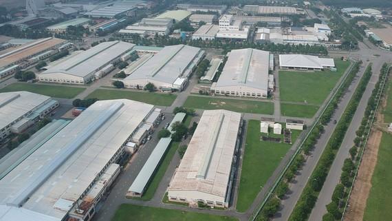 Nhiều nhà máy đang mọc lên ở Khu công nghiệp Tây Bắc, Củ Chi, TPHCM. Ảnh: CAO THĂNG