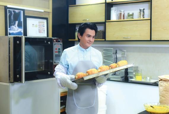 Diễn viên Cao Minh Đạt trong Vua bánh mì phiên bản Việt. Ảnh: ĐPCC