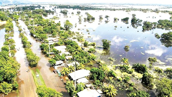 Honduras trong cơn bão Eta vừa quét qua Trung Mỹ. Ảnh: Sky News