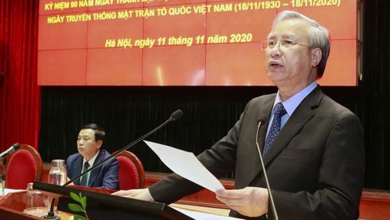 Thường trực Ban Bí thư Trần Quốc Vượng phát biểu tại hội thảo. Ảnh: VIẾT CHUNG