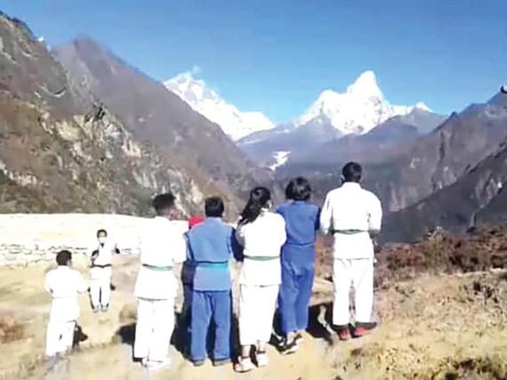 Võ đường Judo trên núi Everest