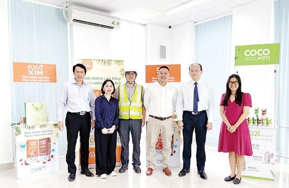 Nhà máy Betrimex giới thiệu công nghệ hiện đại với Tổng Lãnh sự Singapore