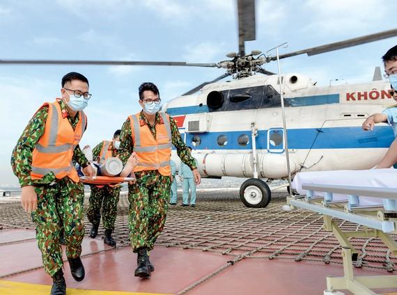 Diễn tập cấp cứu bằng đường hàng không tại Bệnh viện Quân y 175