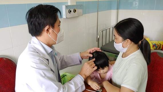 Khám bệnh miễn phí cho người dân huyện Côn Đảo