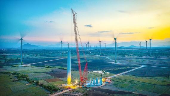 Các công trình điện gió ở Ninh Thuận. Ảnh: NGUYỄN VĂN QUANG