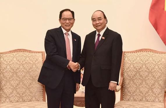 Thủ tướng Nguyễn Xuân Phúc tiếp Đại sứ Hàn Quốc tại Việt Nam Park Noh Wan. Ảnh: Báo Nhân Dân