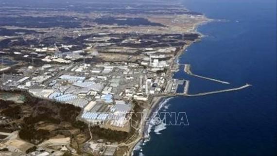 Các bể nước thải có chứa phóng xạ đã qua xử lý tại nhà máy điện hạt nhân Fukushima Daiichi ở tỉnh Fukushima, Nhật Bản. Ảnh: Kyodo/TTXVN