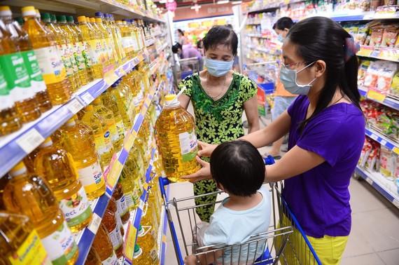 Việc kiểm soát chất lượng vệ sinh an toàn thực phẩm được thắt chặt để bảo vệ sức khỏe người tiêu dùng