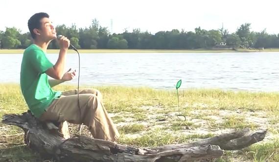 Phần dự thi Người gieo mầm xanh của Trương Long Nhật. Ảnh cắt từ clip cuộc thi