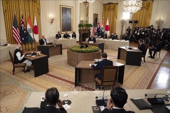 Tổng thống Mỹ Joe Biden, Thủ tướng Ấn Độ Narendra Modi, Thủ tướng Nhật Bản Suga Yoshihide và Thủ tướng Australia Scott Morrison tại hội nghị thượng đỉnh trực tiếp đầu tiên của nhóm Bộ tứ ở Nhà Trắng, Washington, DC, Mỹ, ngày 24-9-2021. Ảnh: AFP/TTXVN