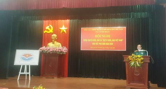 Thiếu tướng Ngô Thanh Hải, Cục trưởng Cục Dân vận phát biểu tại hội nghị. Ảnh: HOÀI NAM