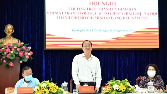 Phó Bí thư Thành ủy TPHCM Nguyễn Hồ Hải phát biểu tại Hội nghị Thường trực Thành ủy giao ban với Mặt trận tổ quốc, các tổ chức chính trị-xã hội. Ảnh: VIỆT DŨNG