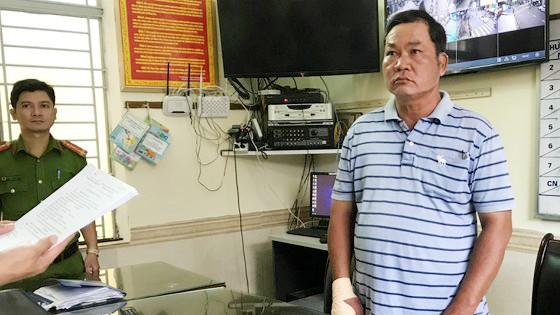 Ông Nguyễn Dư nghe lệnh bắt tạm giam