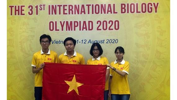 4 thành viên đội tuyển Việt Nam dự thi Olympic Sinh học quốc tế năm 2020 đều đoạt giải
