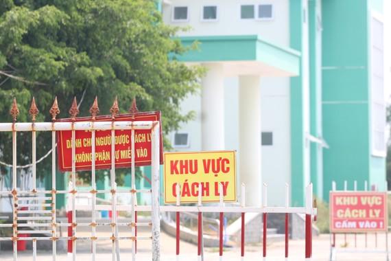 Ngành y tế tỉnh Quảng Nam đã tổ chức cách ly 22 trường hợp F1 có liên quan đến ca nghi nhiễm tại TP Đà Nẵng. Ảnh: NGUYỄN CƯỜNG