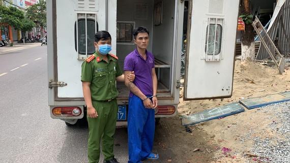 Đối tượng Trần Ngọc Thương bị bắt giữ. Ảnh: Công an cung cấp