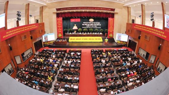 Quang cảnh đại hội sáng 16-10