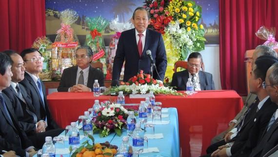 Phó Thủ tướng thăm và chúc giáng sinh tại Hội truyền giáo cơ đốc Việt Nam Kon Tum