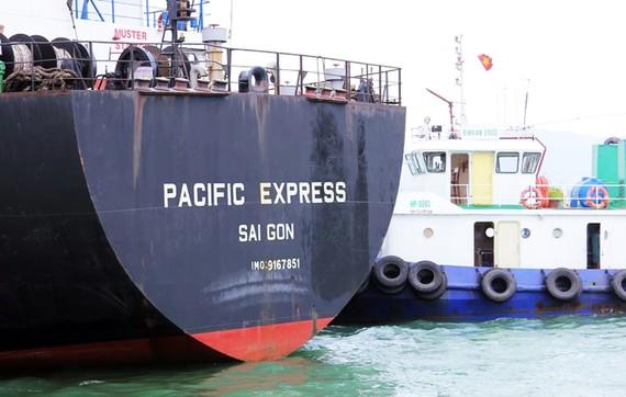 Tàu hàng Pacific Express vẫn bị tạm giữ tại vịnh Quy Nhơn