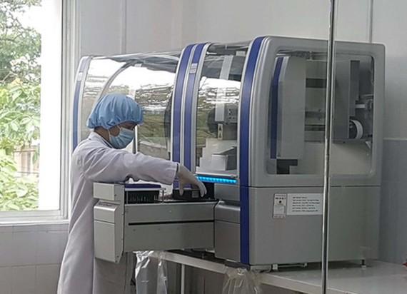 Hệ thống Realtime PCR tự động xét nghiệm Covid-19 tỉnh Quảng Nam mua với giá 7,2 tỷ đồng