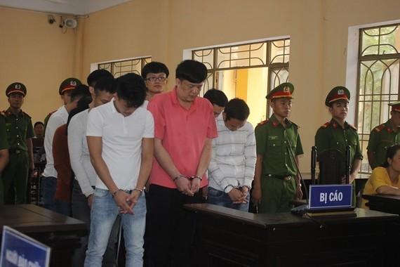 Các bị cáo tại toà án