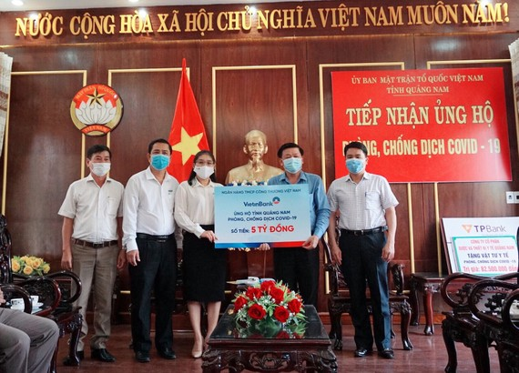 Ngân hàng TMCP Công Thương Việt Nam (Vietinbank) ủng hộ Quảng Nam  5 tỷ đồng